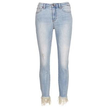 Odjeća Žene  Traperice 3/4 i 7/8 Armani Exchange HELBAIRI Blue / Svijetla