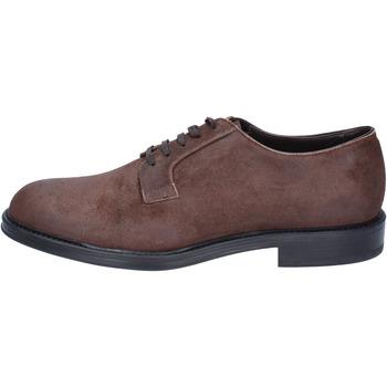 Obuća Muškarci  Derby cipele & Oksfordice Triver Flight classiche camoscio Marrone