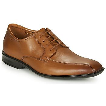 Obuća Muškarci  Derby cipele Clarks BENSLEY RUN Smeđa