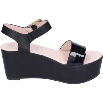 Obuća Žene  Sandale i polusandale Solo Soprani sandali pelle sintetica vernice Nero