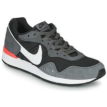 Obuća Muškarci  Niske tenisice Nike VENTURE RUNNER Crna / Siva / Bijela