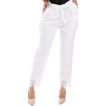 Odjeća Žene  Chino hlačei hlače mrkva kroja Gaudi 011FD25011 Bijela