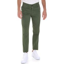 Odjeća Muškarci  Chino hlačei hlače mrkva kroja Les Copains 9U3320 Zelena