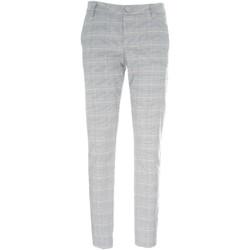 Odjeća Žene  Chino hlačei hlače mrkva kroja NeroGiardini P960500D Crno