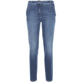 Odjeća Žene  Slim traperice NeroGiardini A760120D Plava