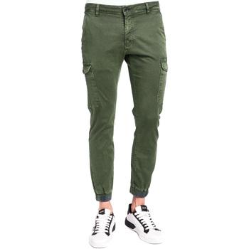 Odjeća Muškarci  Cargo hlače Gaudi 921BU25011 Zelena
