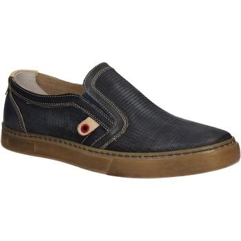 Obuća Muškarci  Slip-on cipele Café Noir QT121 Plava