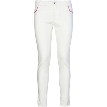 Odjeća Žene  Chino hlačei hlače mrkva kroja Café Noir JP235 Bijela