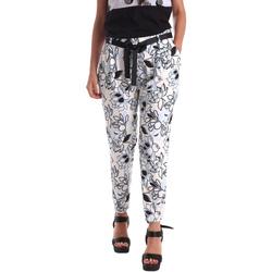 Odjeća Žene  Chino hlačei hlače mrkva kroja Café Noir JP244 Crno