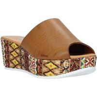 Obuća Žene  Natikače Grace Shoes 10 Smeđa