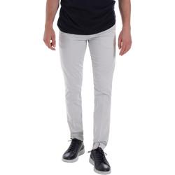 Odjeća Muškarci  Chino hlačei hlače mrkva kroja Les Copains 9U3320 Siva