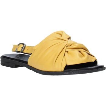 Obuća Žene  Sandale i polusandale Bueno Shoes Q2005 Žuta boja