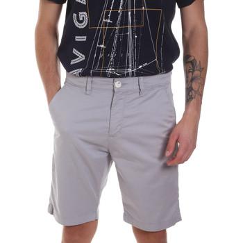 Odjeća Muškarci  Bermude i kratke hlače Sseinse PB606SS Siva