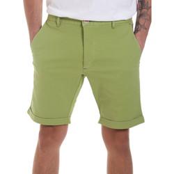 Odjeća Muškarci  Bermude i kratke hlače Gaudi 811FU25023 Zelena