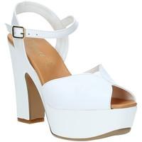 Obuća Žene  Sandale i polusandale Grace Shoes FLY Bijela