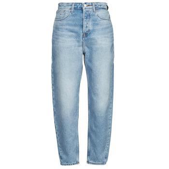 Odjeća Žene  Boyfriend traperice Tommy Jeans MOM JEAN ULTRA HR TPRD EMF SPLBR Blue / Svijetla