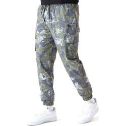Odjeća Muškarci  Hlače New-Era 12590879 Zelena