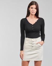 Odjeća Žene  Majice dugih rukava Guess ES LS V NECK LOGO HENLEY TEE Crna