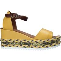 Obuća Žene  Sandale i polusandale Bueno Shoes 21WQ6000 Žuta boja