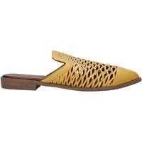 Obuća Žene  Klompe Bueno Shoes 21WN0103 Žuta boja