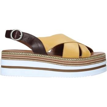 Obuća Žene  Sandale i polusandale Bueno Shoes 21WS5704 Žuta boja