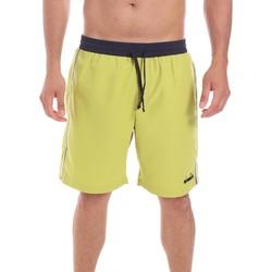 Odjeća Muškarci  Bermude i kratke hlače Diadora 102175862 Žuta boja