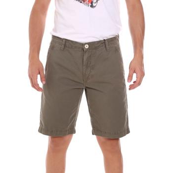 Odjeća Muškarci  Bermude i kratke hlače Gaudi 111GU25043WH Zelena