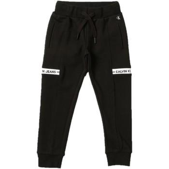 Odjeća Dječak  Donji dio trenirke Calvin Klein Jeans IB0IB00919 Nero