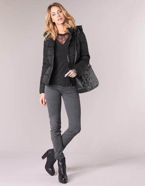 Odjeća Žene  Skinny traperice Emporio Armani YEARAW Crna
