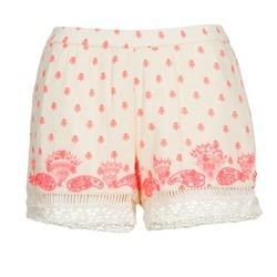 Odjeća Žene  Bermude i kratke hlače Brigitte Bardot ANGELINE Krem boja